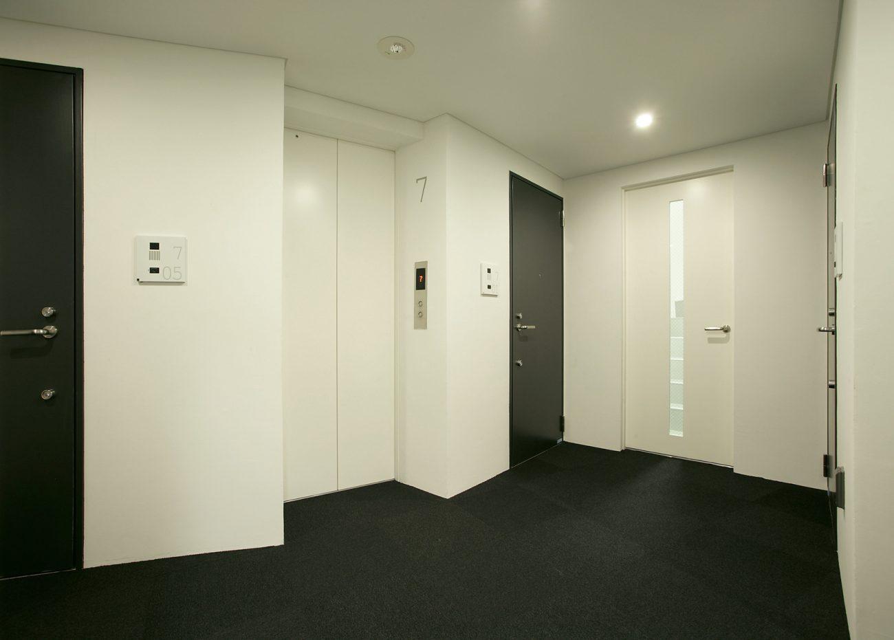エレベーターホール・内廊下設計